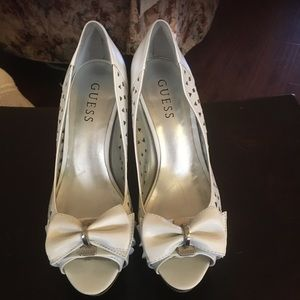 Women's guess open toe pump heels